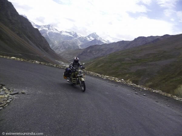 Guide for riding in Himalayas