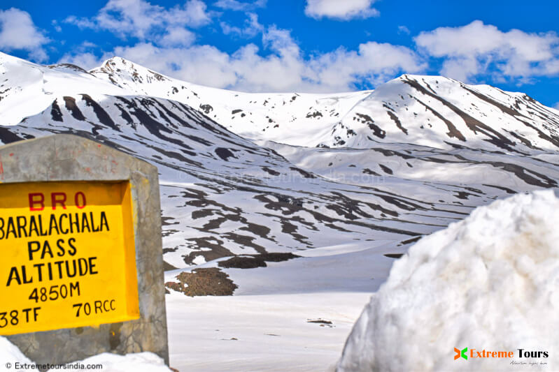 Motorcycle tour to the highest passes in Ladakh, India